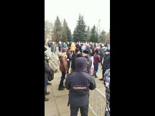 ПРОТИВ СТРОИТЕЛЬСТВА ЦБК. На Комсомольской площади начался митинг.