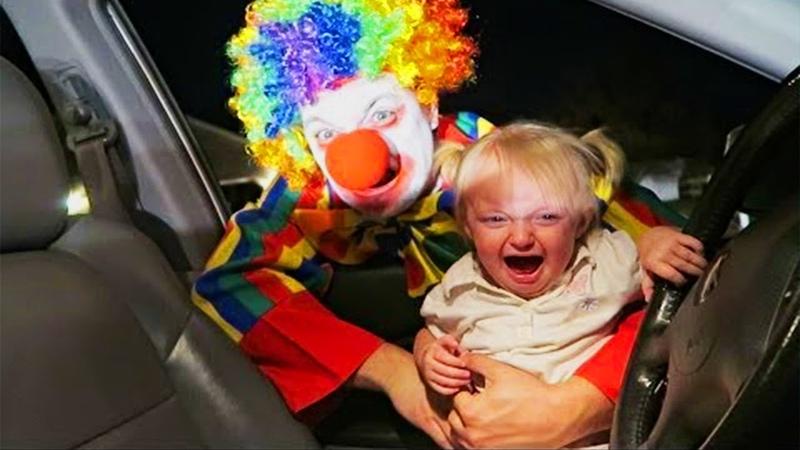 FUNNY VINE Кричи Хэллоуин! Смешная реакция Младенцы и Клоун Funny Babies and IT Clown