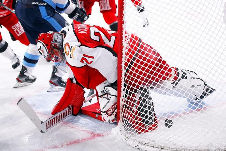 Сибирь одержала две победы в двух выездных матчах плей-офф, благодаря колдовству.