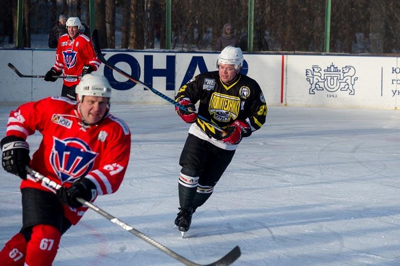 «Люди, на которых нужно равняться»: 70-летие ХК «Политехник» отметили матчем ветеранов челябинского хоккея, изображение №2