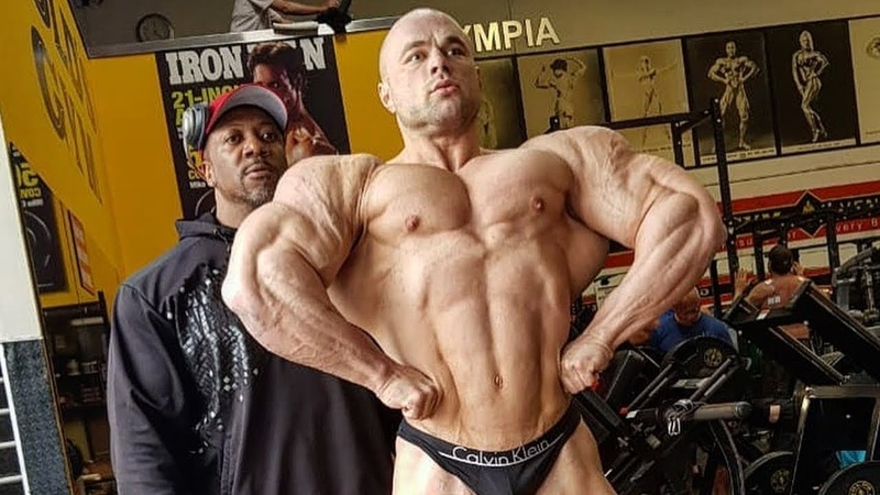 Sergey Kulaev bodybuilding posing lesson with Shawn Rhoden