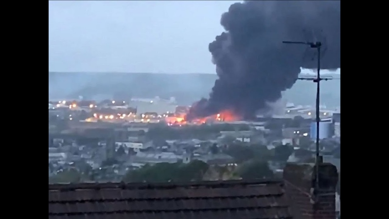 Explosion Usine Lubrizol À Rouen, rond point détruit, la FED