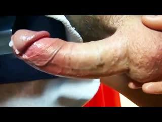 Довожу до оргазма массажем яиц [гей порно домашнее хуй дрочит кончил сперма сквирт]