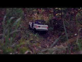 Auction Restored 1966 Ford Bronco 1-6+RC models