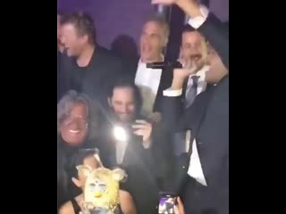 The weeknd спел «happy birthday» для адама сэндлера