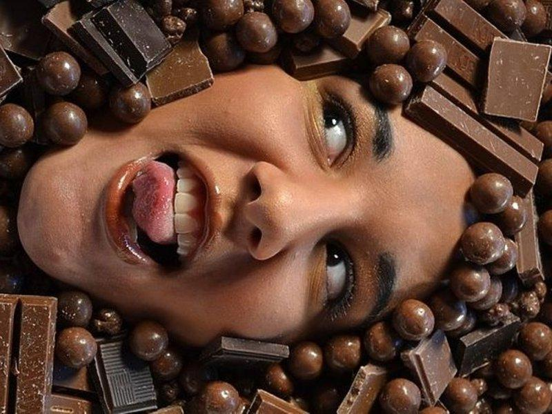 Переедание шоколадом вредно и опасно
