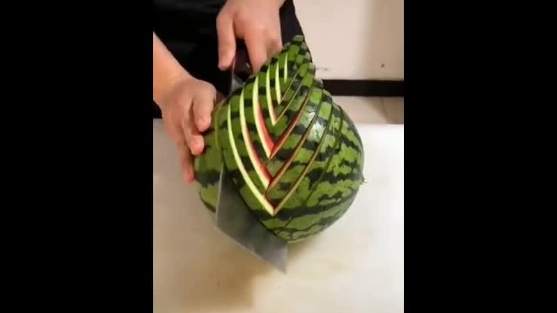 Нарезаем арбуз красиво