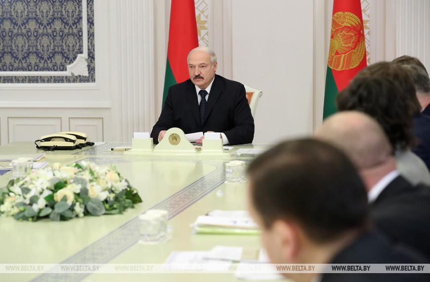 Лукашенко ждет от госСМИ больше остроты, оперативности и собственного контента