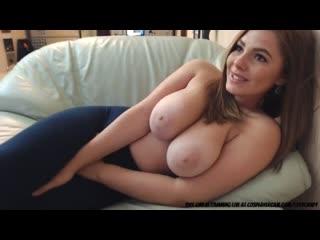 красивая сучка с большими натуральными сиськами кончает (секс, дрочит, мастурбирует, большие сиськи, рыжая, молодая, пышка)