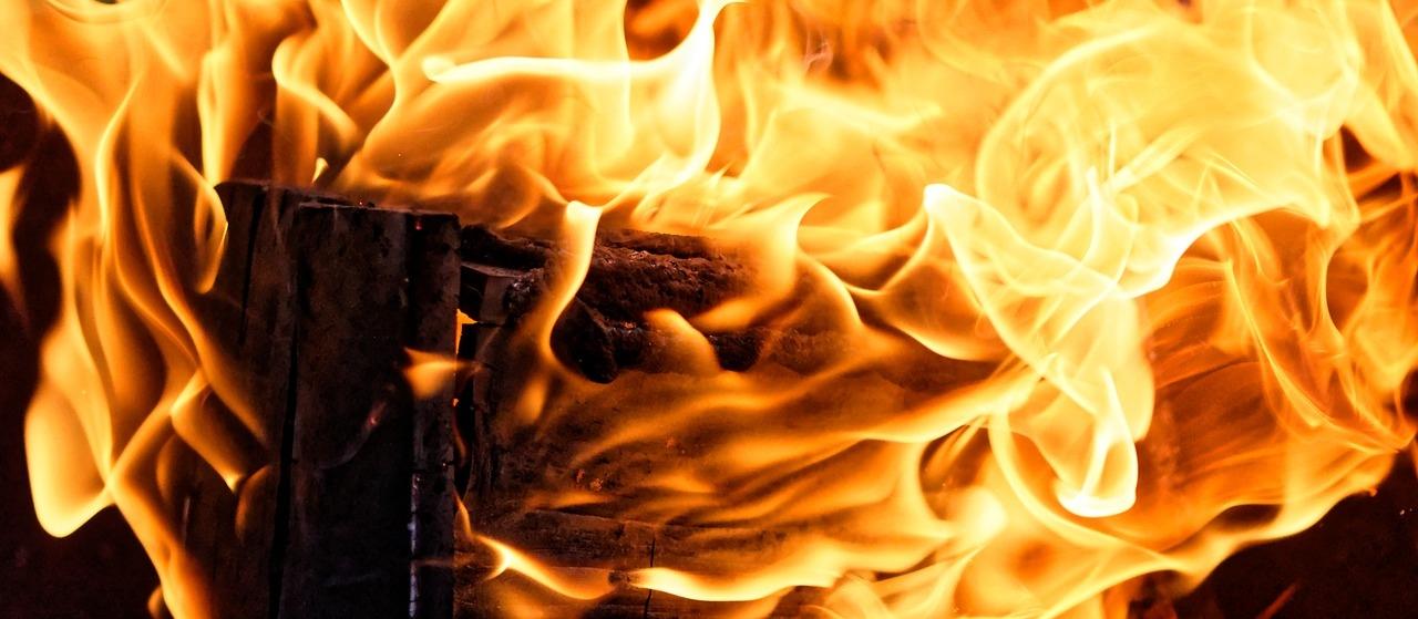 В Марий Эл при пожаре пострадала 89-летняя бабушка