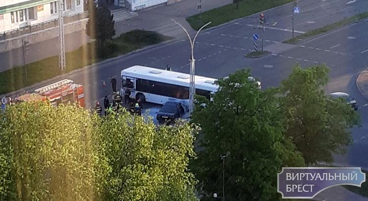 Помните утреннее ДТП с Ауди и автобусом на улице Я.Купалы? В ГАИ назвали виновника (был пьян)