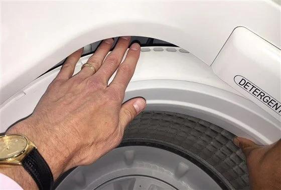Куда пропадают носки в стиральной машине и как этого избежать