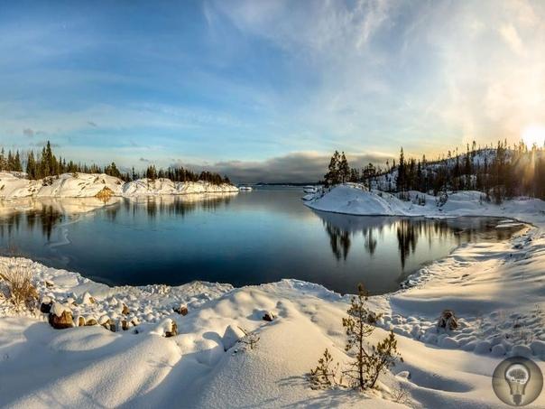 Прекрасная Карелия Вы наверняка уже слышали о Карелии: край озер, Кижи, Кивач, Ладожское озеро. Но в Карелии есть не только это. Великолепные ландшафты, мраморный каньон, многоступенчатые