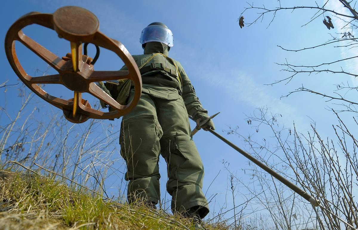 Украинские сапёры проведут разминирование на территории ЛНР (видео)