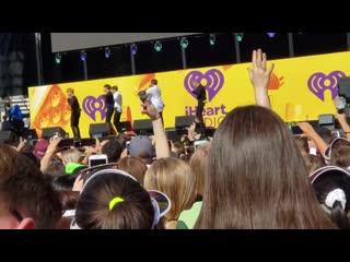 VK190921 MONSTA X fancam - Who Do U Love @ iHeartRadio Music Festival Daytime Stage