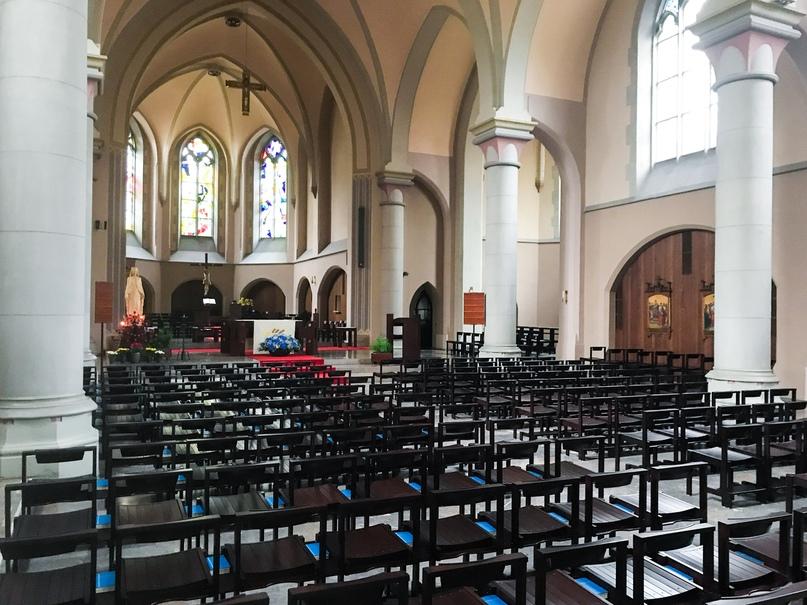 Внутреннее убранство церкви Святого Лаврентия