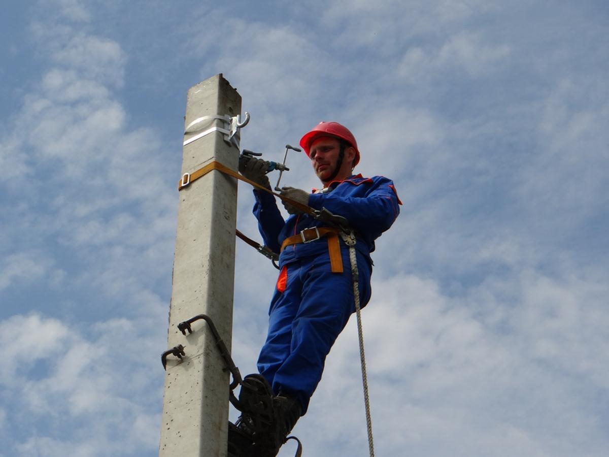 В девяти населенных пунктах КЧР временно ограничат энергоснабжение