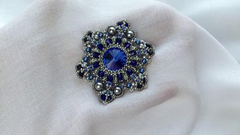 Синяя брошь-орден из бисера с кристаллами Сваровски