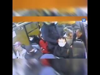 Россиянин убил мужчину из-за просьбы надеть маску