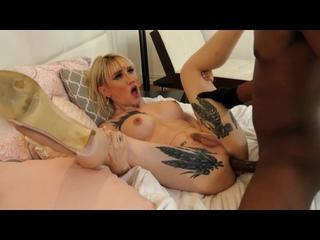 Genderx - Lena Kelly трахнул большой черный член злоумышленника в маске