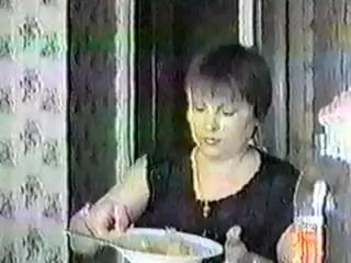 Муж снял на камеру жену с чужим мужиком (Любительское / Квартира) [2006 г., Домашнее порно]