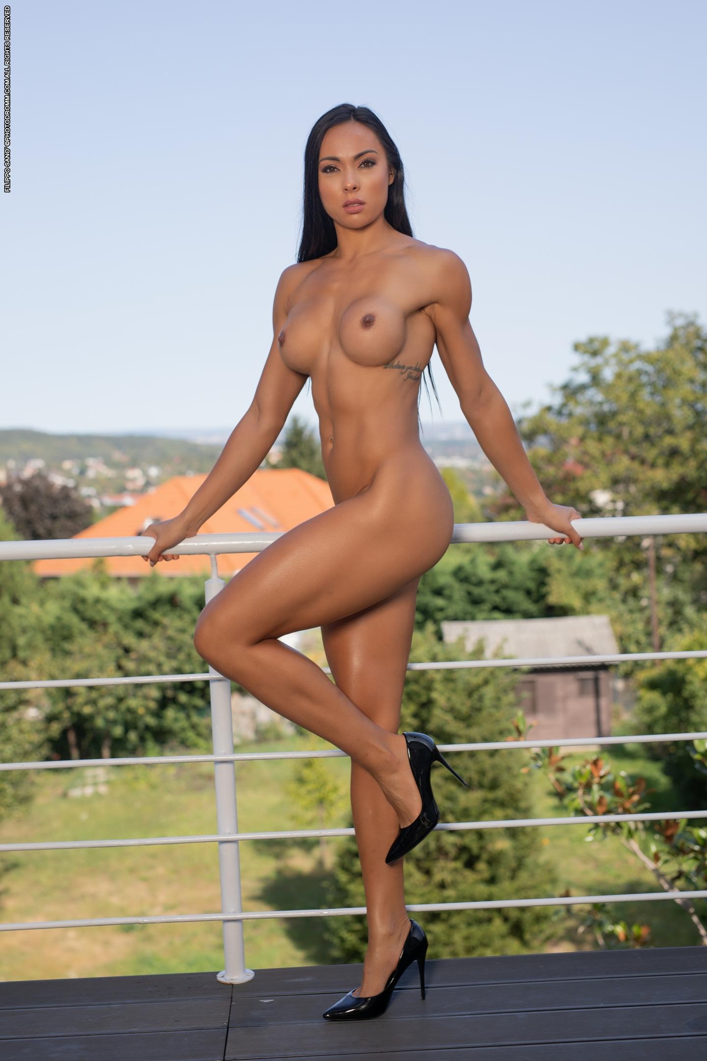 Модель: Irene (Babett Vongsanti, Valentina)