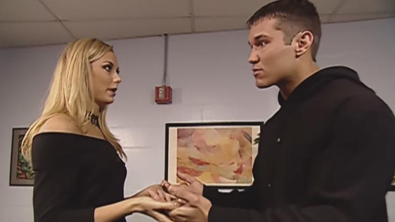 Мистер МакМахон застает Рэнди Ортона и Стейси Кейблер, уютно устроившихся за кулисами SmackDown, 25 апреля 2002 г.
