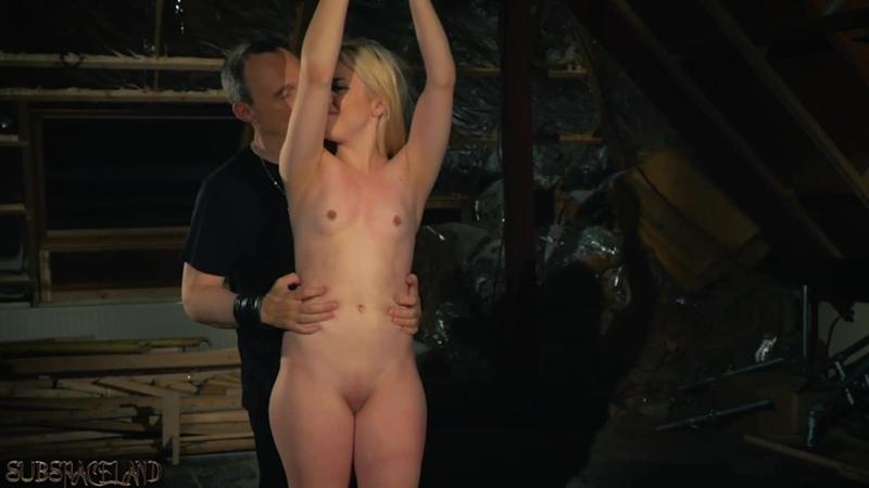 Anna Ray - Маленькая наказанная рабыня в красном