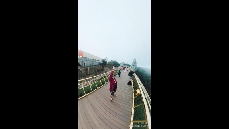Golden Bridge Ba Na Hills Vietnam 2019