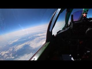Истребители #МиГ31 БМ морской авиации Тихоокеанского флота провели тренировку по перехвату в стратосфере.