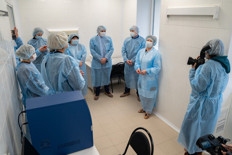 В Ухте открыли лабораторию для исследований на COVID-19, изображение №5