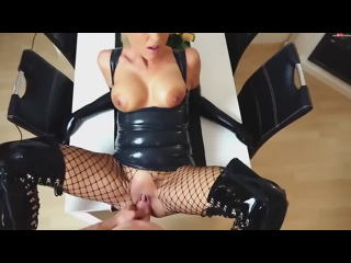 Daynia - Latex Anal and Cumshot on Face, amateur homemade anal pornotits,,шкура, инцест, incest, mom, dad, мамка, сквирт