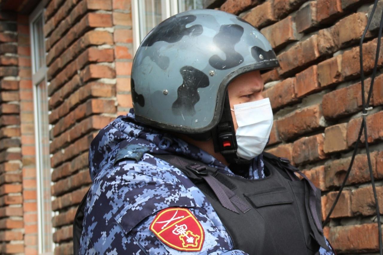 В Таганроге сотрудники Росгвардии пресекли ряд правонарушений на охраняемых объектах