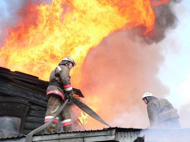 В Таганроге горел дачный дом в СНТ «Радуга»