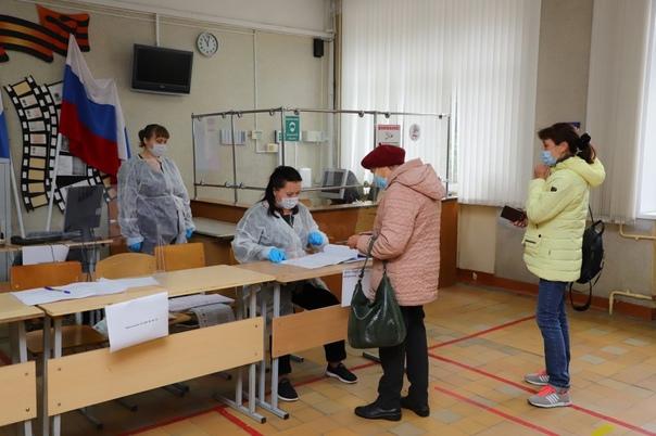 Выборы в России прошли с минимальным количеством н...