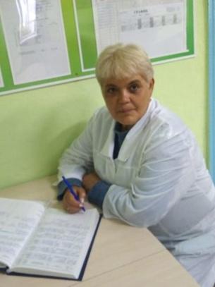 Селиванова Оксана Арсеньевна – младшая медицинская сестра, стаж работы 33 года.