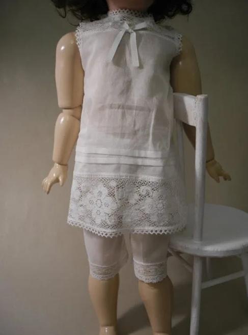 Бельё и чулки для большой куклы своими руками, как сшить нижнее белье для кукол своими руками, как сшить белье для большой куклы мастер-класс, как сшить корсет для куклы своими руками, как сшить чулки для куклы своими руками, как сшить трусы для куклы своими руками, как сшить лифчик для куклы своими руками,