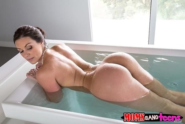 Hot Layla London Mistress