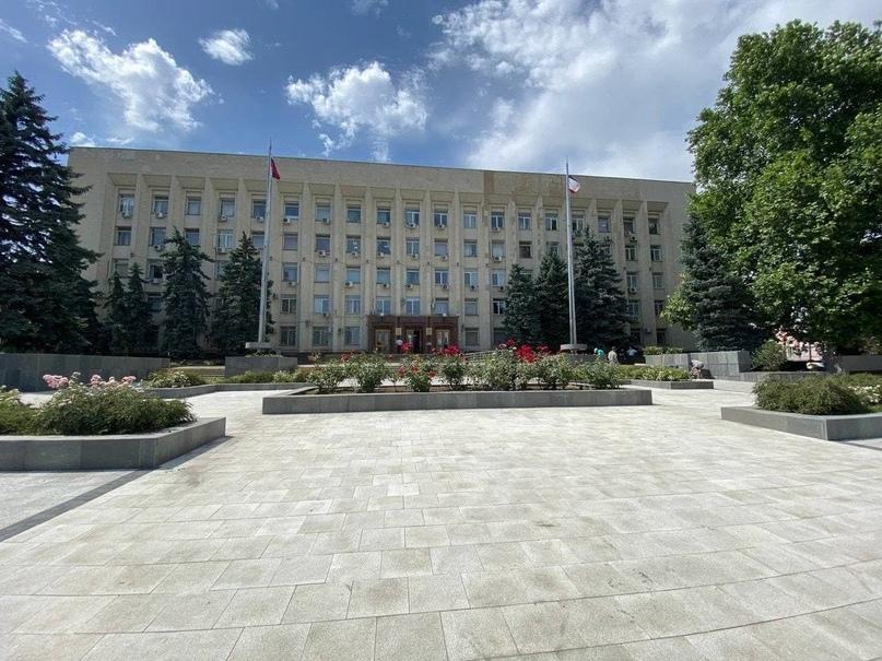 Завершен ремонт сквера в центре Симферополя, - ФОТО