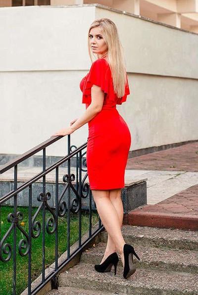 Амира Долгополова