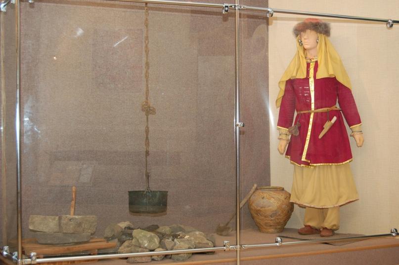 Тематико-экспозиционный комплекс «Быт» на выставке «Легенда и быль» в выставочном зале «Золотаревское городище».