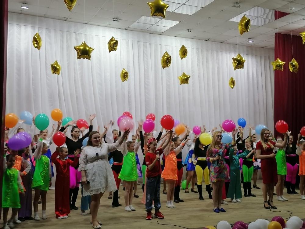 В детской школе искусств имени Святослава Кнушевицкого состоялся концерт воспитанников вокального и хореографического отделений «Мир, подаренный весной»