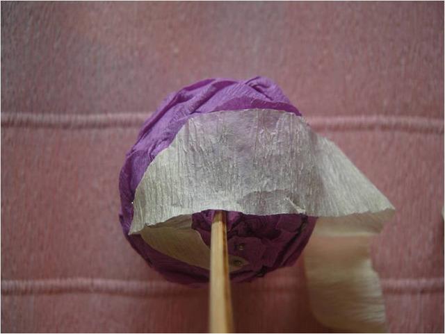 Как оформить пасхальные яйца гофрированной бумагой - МК и идеи, Пасхальное яйцо-цветок из гофрированной бумаги - фото мастер-класс,