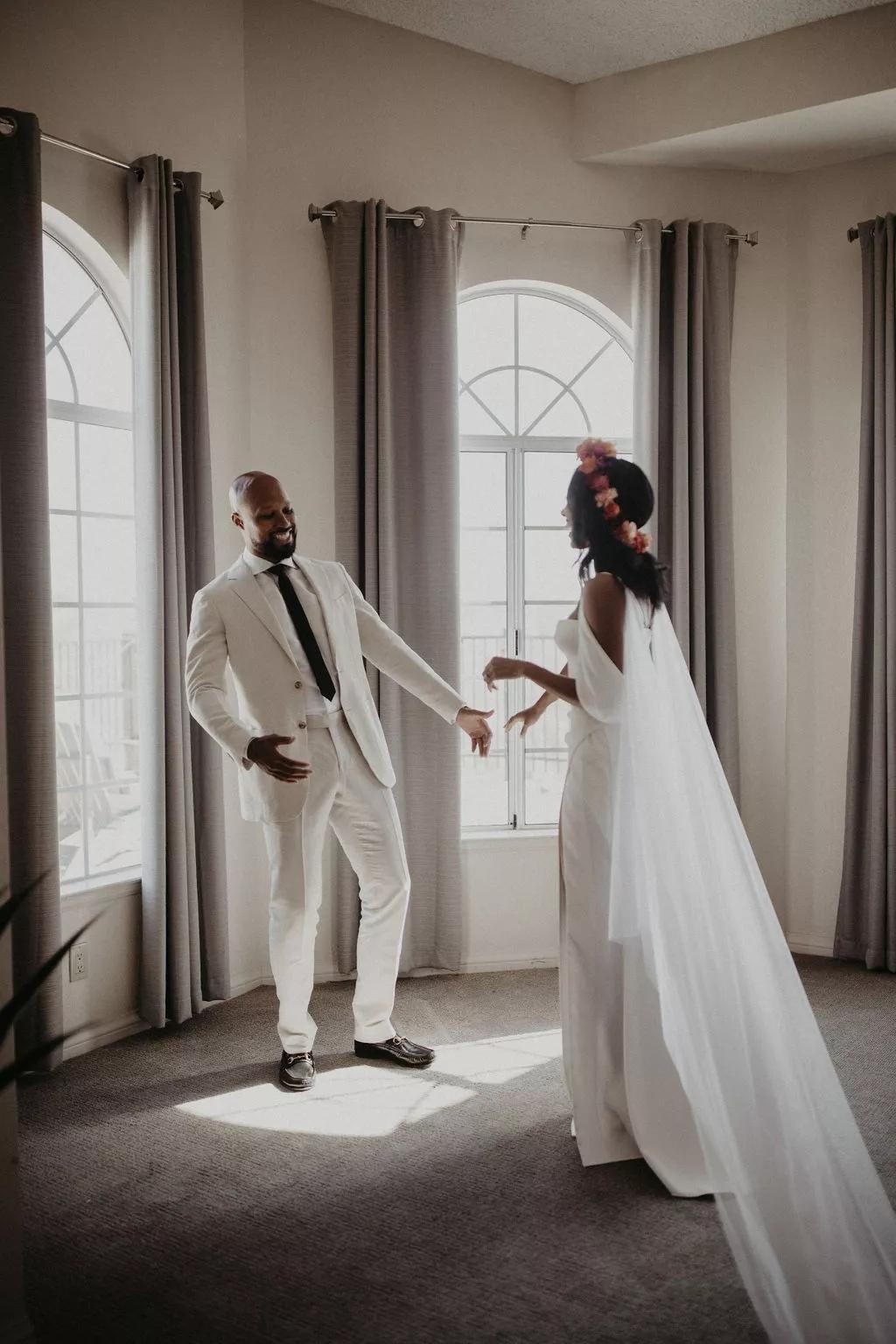 pBPa9InLOsU - Найти свадебного ведущего оказалось проще простого
