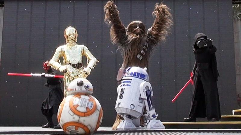 Star Wars: A Galaxy Far, Far Away Character Appearances at Disney's Hollywood Studios, BB-8 Debut