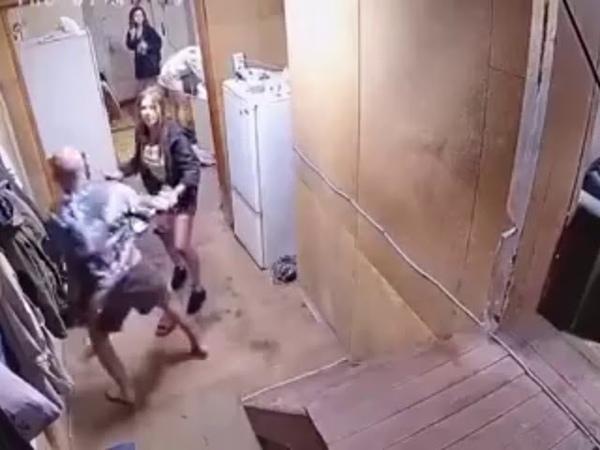 Алкаши на лестнице Пьяная лестница