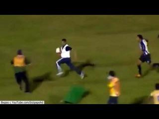 В роли спасителя своей команды в матче на Кубок Бразилии выступил массажист - Первый канал