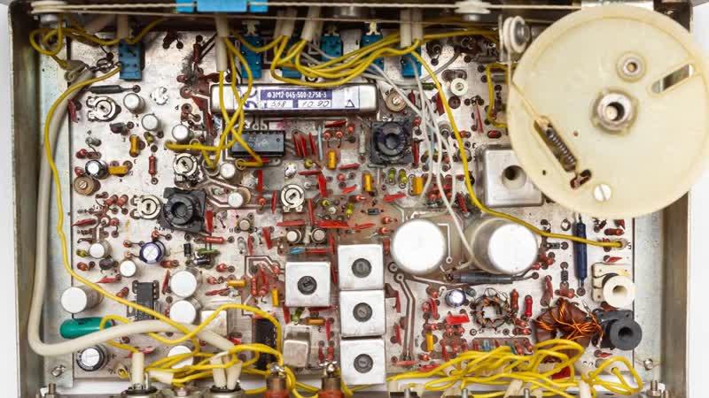 Радиоканал с Алексеем Игониным Юность М Трансивер на 160 м Сделано в СССР Проверка в полях