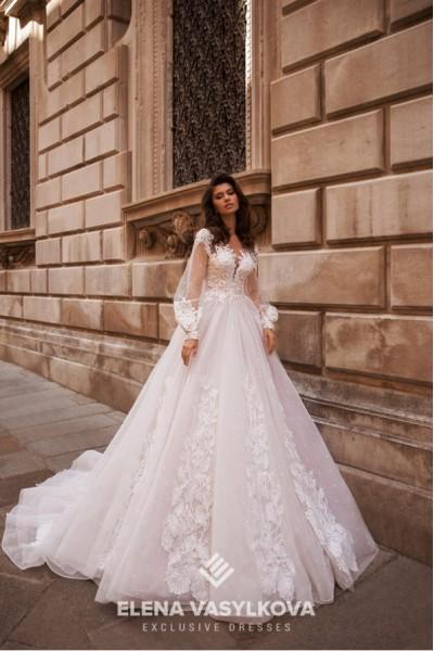 Купить дорогое свадебное платье в Москве
