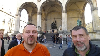 В годовщину Пивного путча, Рейхспогрома и революции  русские националисты в Мюнхене